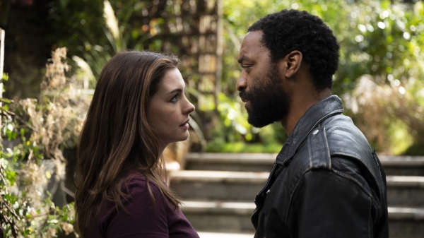 Anne Hathaway & Chiwetel Ejiofor in Locked Down